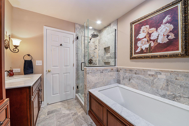 Linda 39 s master bathroom remodel pictures home remodeling for Bathroom remodeling service
