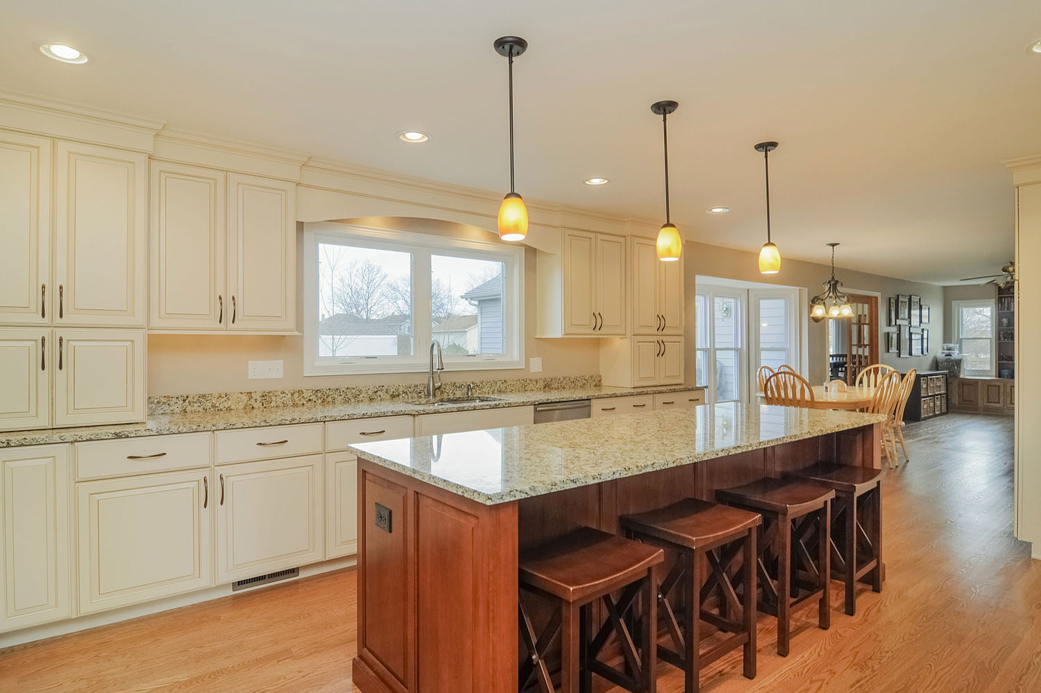 Kitchen Remodeling Ideas Wood Cabinetry Light Granite Carol Stream Il Illinois Sebring Services