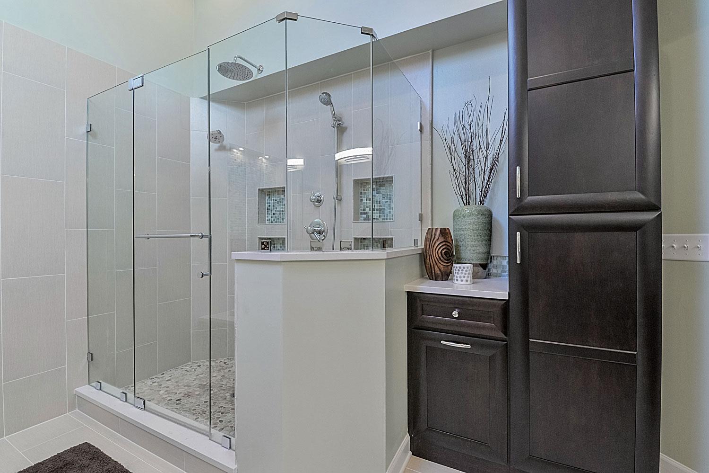 Steve Nicolle 39 S Master Bathroom Remodel Pictures Home Remodeling Contractors Sebring