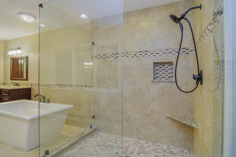 Bernard Karan 39 S Master Bathroom Remodel Pictures Home Remodeling Contractors Sebring