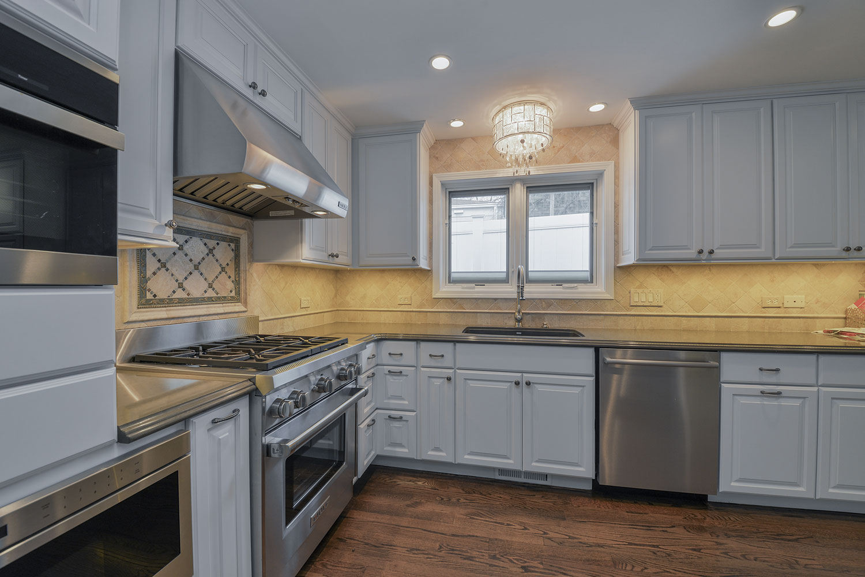 View Larger Image Kitchen Remodeling Ideas White Cabinetry Quartz Hinsdale Il Illinois Sebring Services