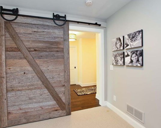 51 awesome sliding barn door ideas home remodeling for Barn door design ideas