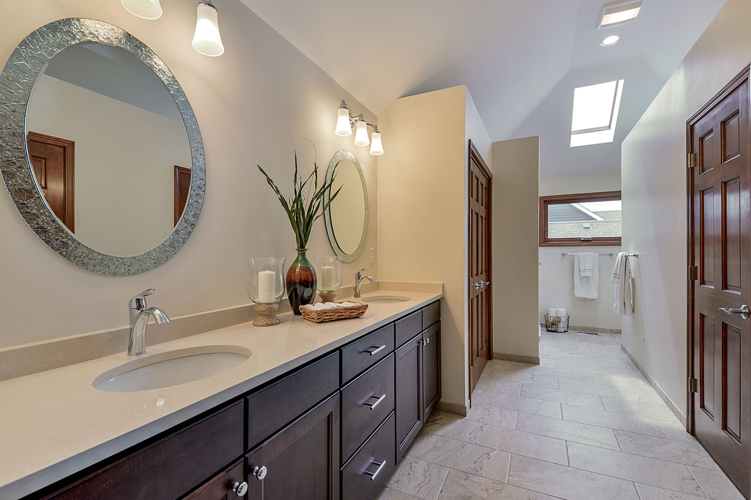 Paul eileen 39 s master bathroom remodel pictures home for Remodel design services