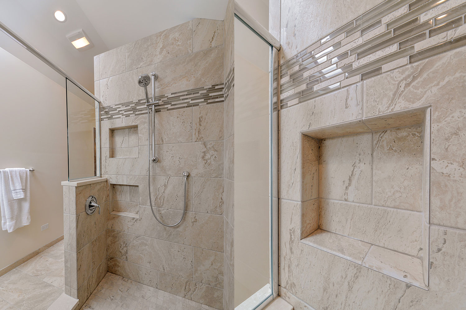 Paul Eileen 39 S Master Bathroom Remodel Pictures Home