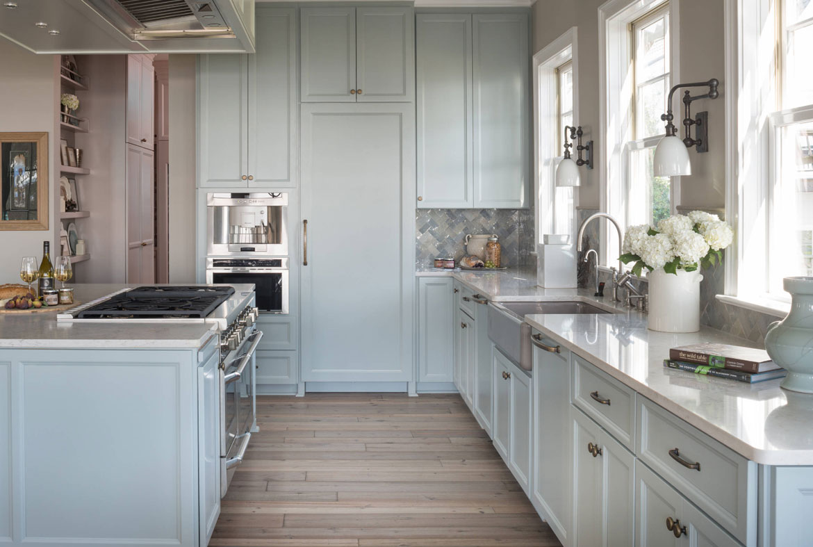 Design trend blue kitchen cabinets 30 ideas to get you for Full wall kitchen units