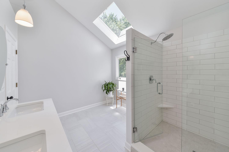 Brad lea 39 s master bathroom remodel pictures home for Remodel design services
