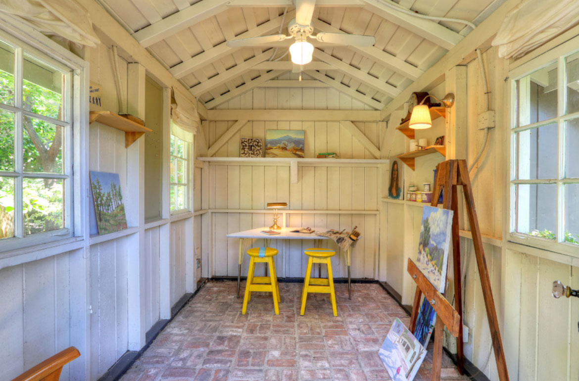 43 she shed woman cave ideas the ladies answer to the for Barn style interior design