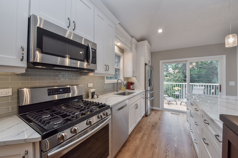 Bill carol 39 s kitchen remodel pictures home remodeling for Remodel design services