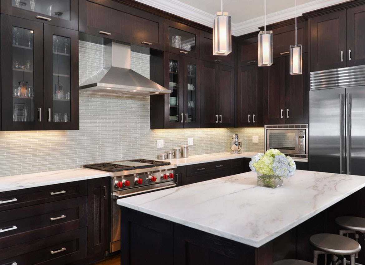 Brown Kitchen Cabinets With Backsplash