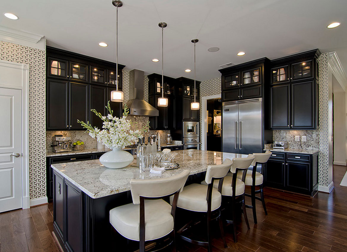 30 classy projects with dark kitchen cabinets home for Dark kitchen cabinets light island