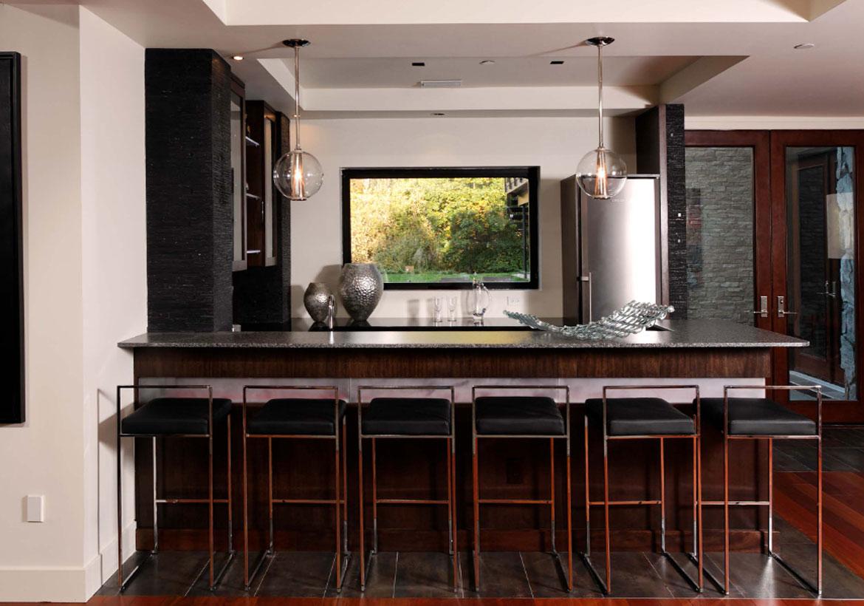 Top Trends In Basement Wet Bar Design