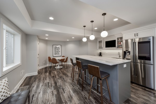 Top-Trends-in-Basement-Wet-Bar-Design