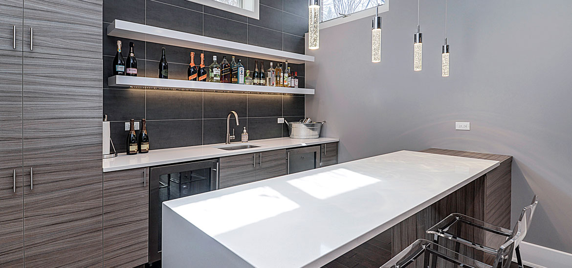 Simple But Classy Design. Top Trends In Basement Wet Bar ...