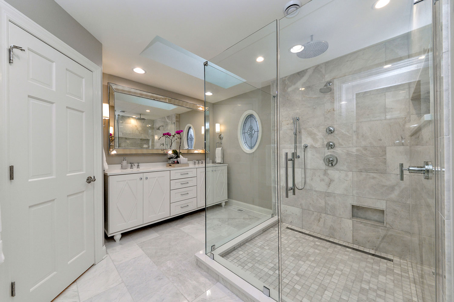 Bobby lisa 39 s master bathroom remodel pictures home for Kitchen bathroom renovations