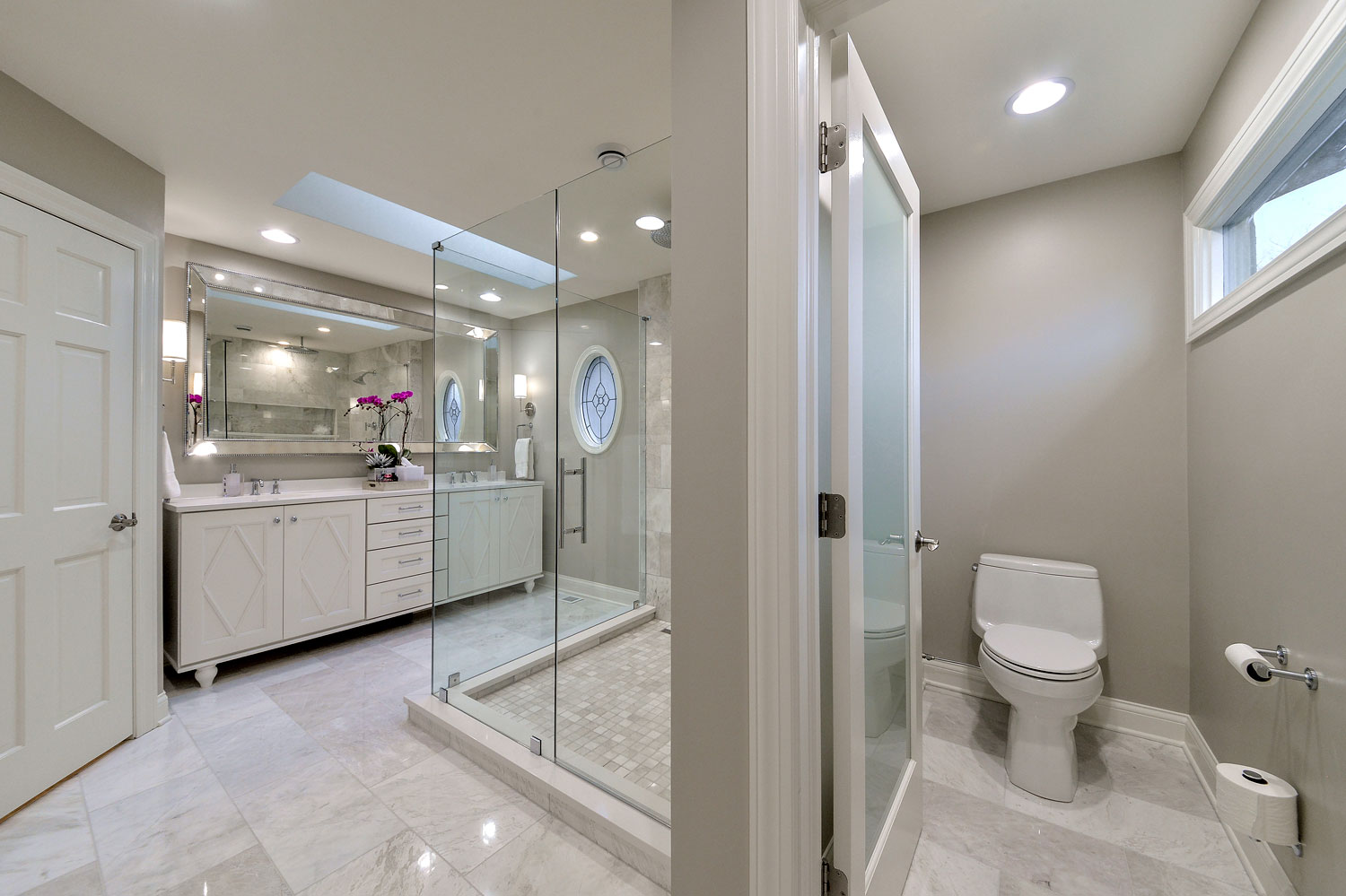 Bobby lisa 39 s master bathroom remodel pictures home for Bathroom design service
