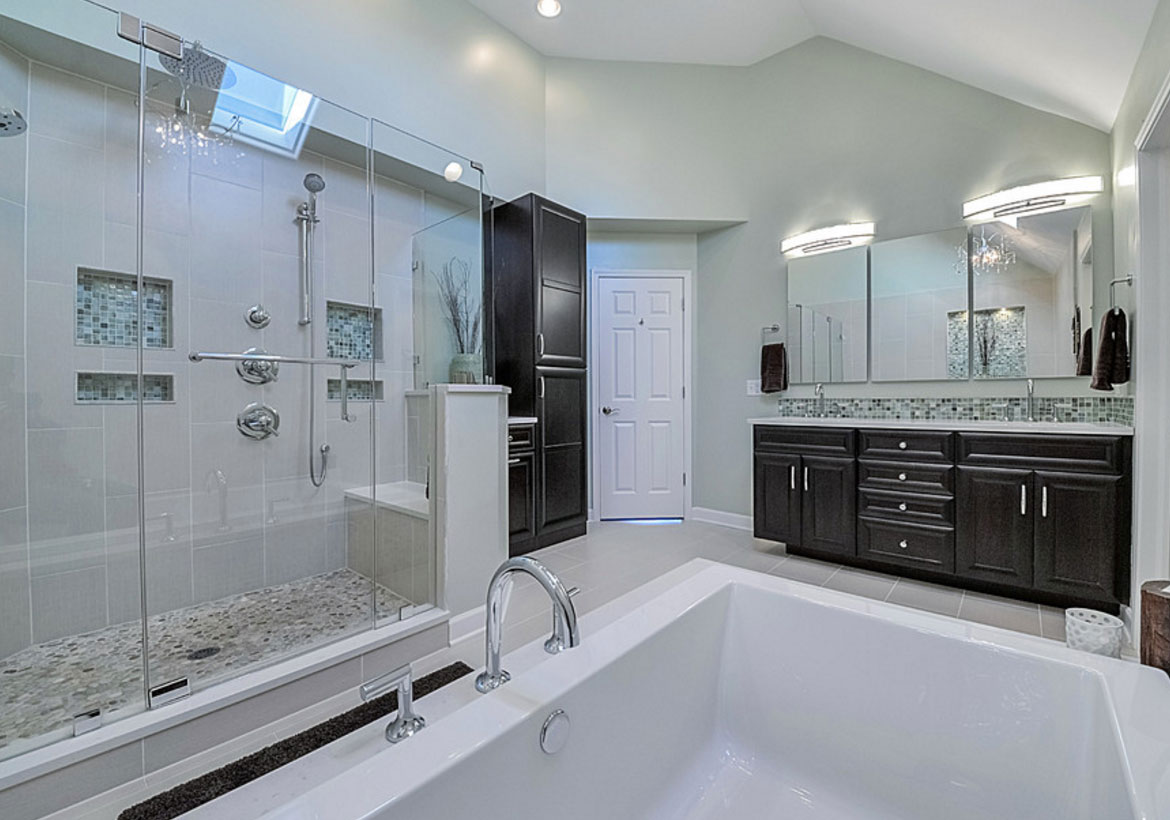 33 custom bathrooms to inspire your own bath remodel for Custom bathrooms