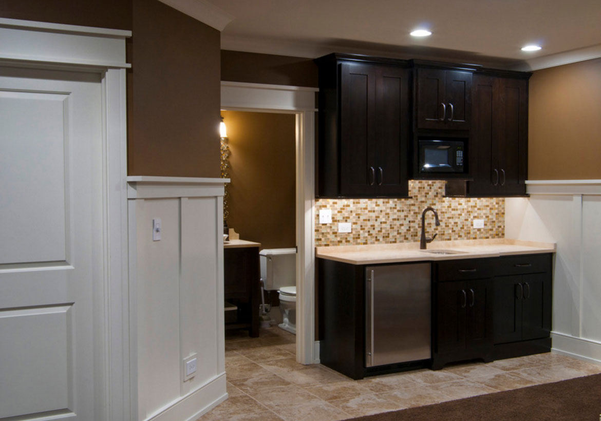 45 basement kitchenette ideas to help you entertain in for Basement cabinet ideas