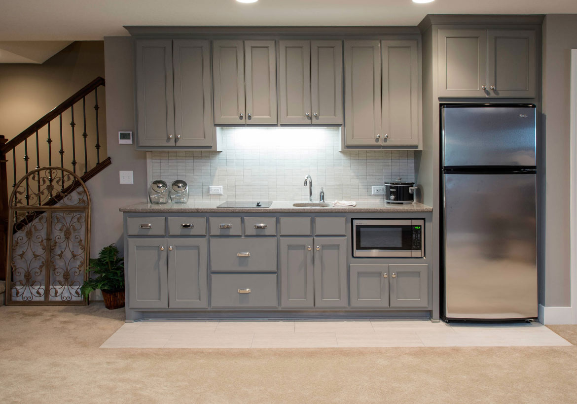 45 basement kitchenette ideas to help you entertain in for Kitchenette cabinets