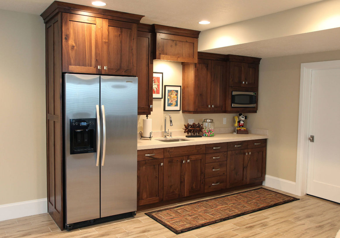 45 basement kitchenette ideas to help you entertain in for Kitchenette layout ideas