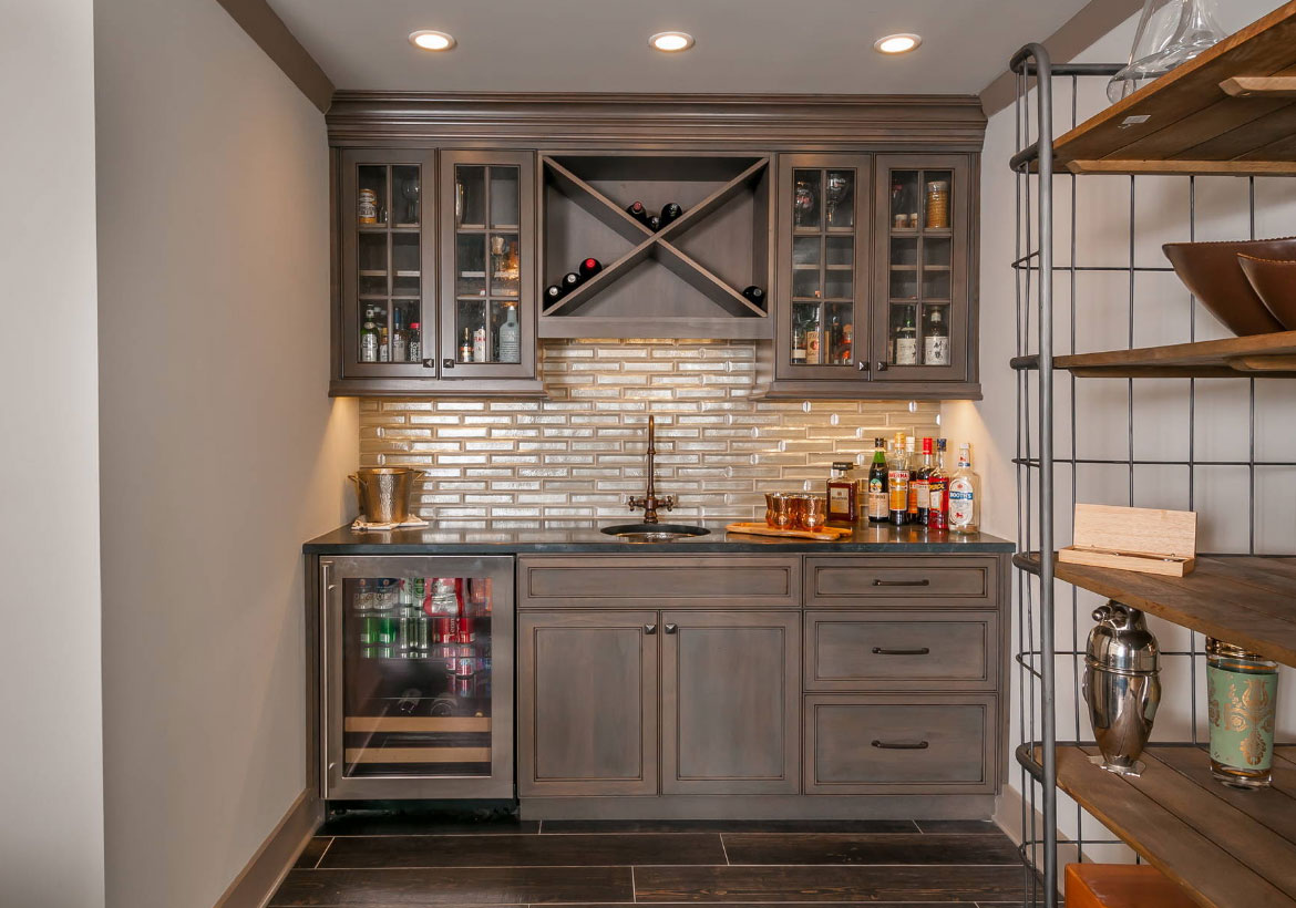 45 basement kitchenette ideas to help you entertain in style home remodeling contractors - Wet bar basement ideas ...