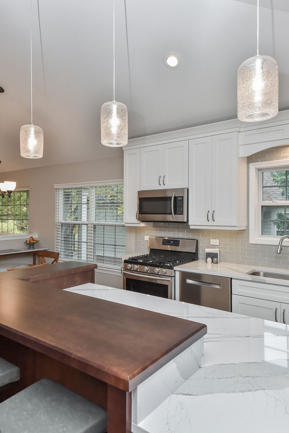 How to Choose the Right Kitchen Island Lights | Home ...