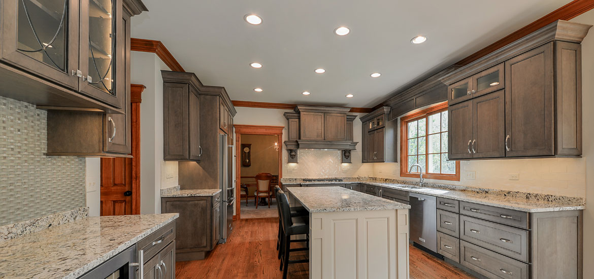 How to Choose the Right Kitchen Island Lights - Sebring Services