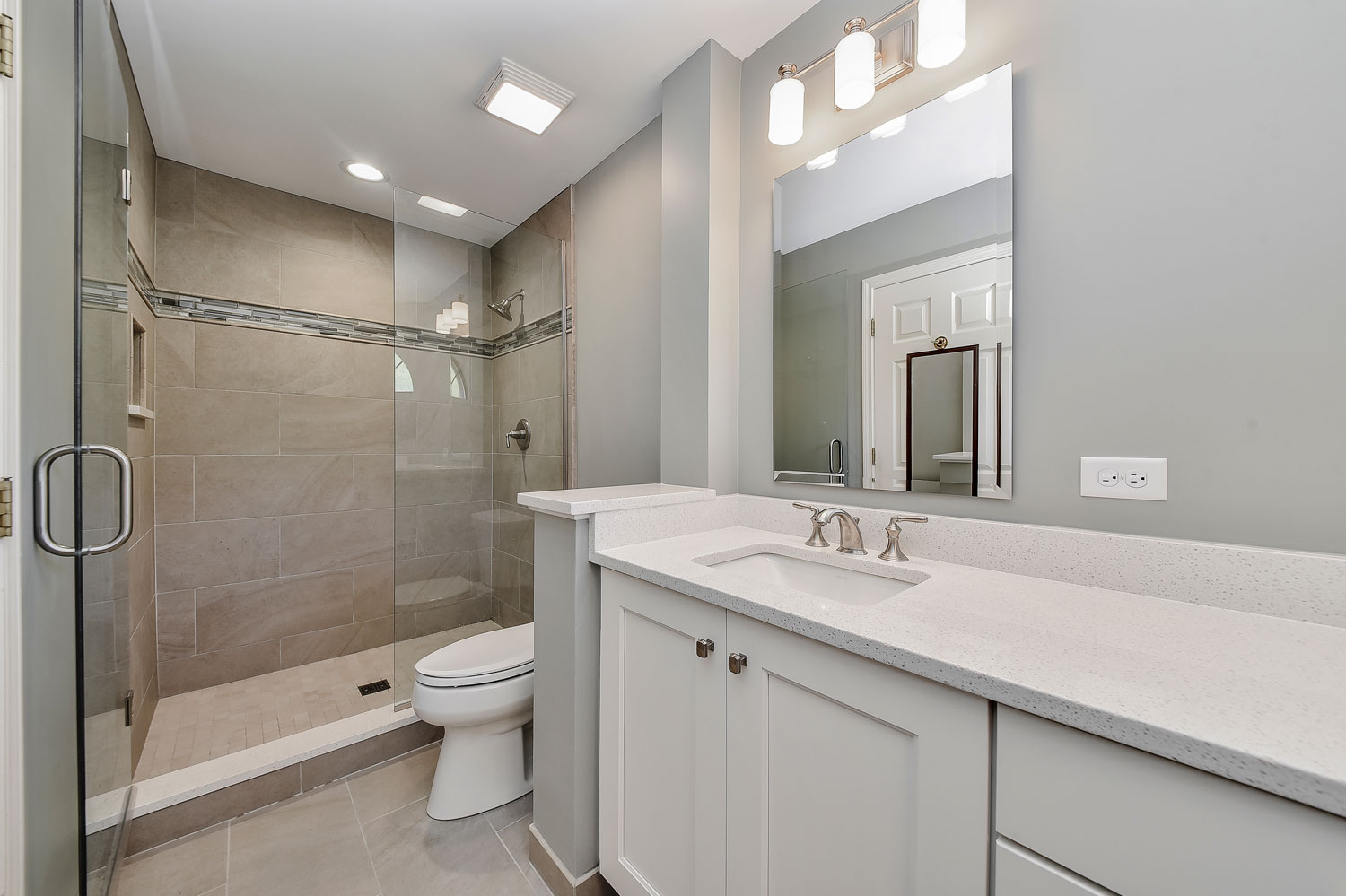 Charles cindy 39 s master bathroom remodel pictures home for Bathroom design service
