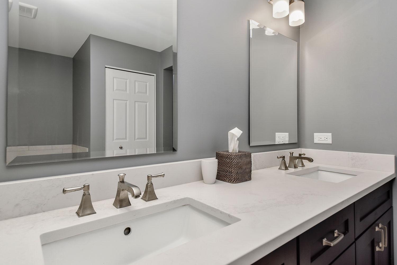 Bathroom remodeling service