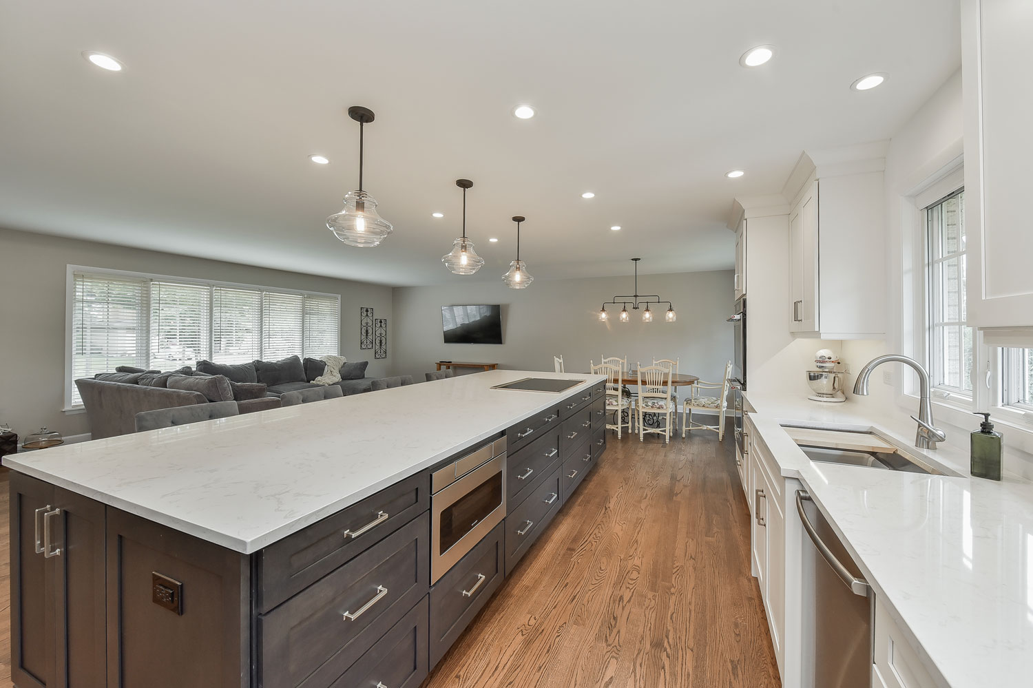 Open Floor Plan Kitchen, Living Room, White Cabinets - Sebring Services