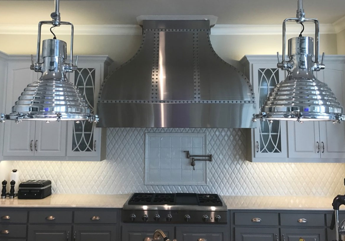Metal Range Hoods ~ Choosing the perfect metal range hoods or wood
