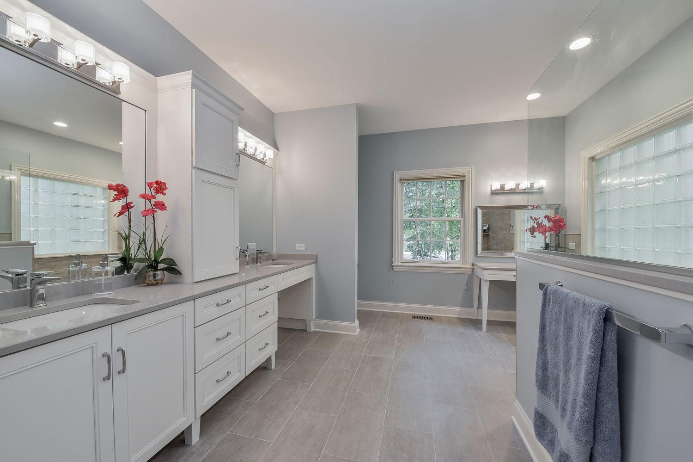 Julie Jon 39 S Master Bathroom Remodel Pictures Home Remodeling Contractors Sebring Design Build