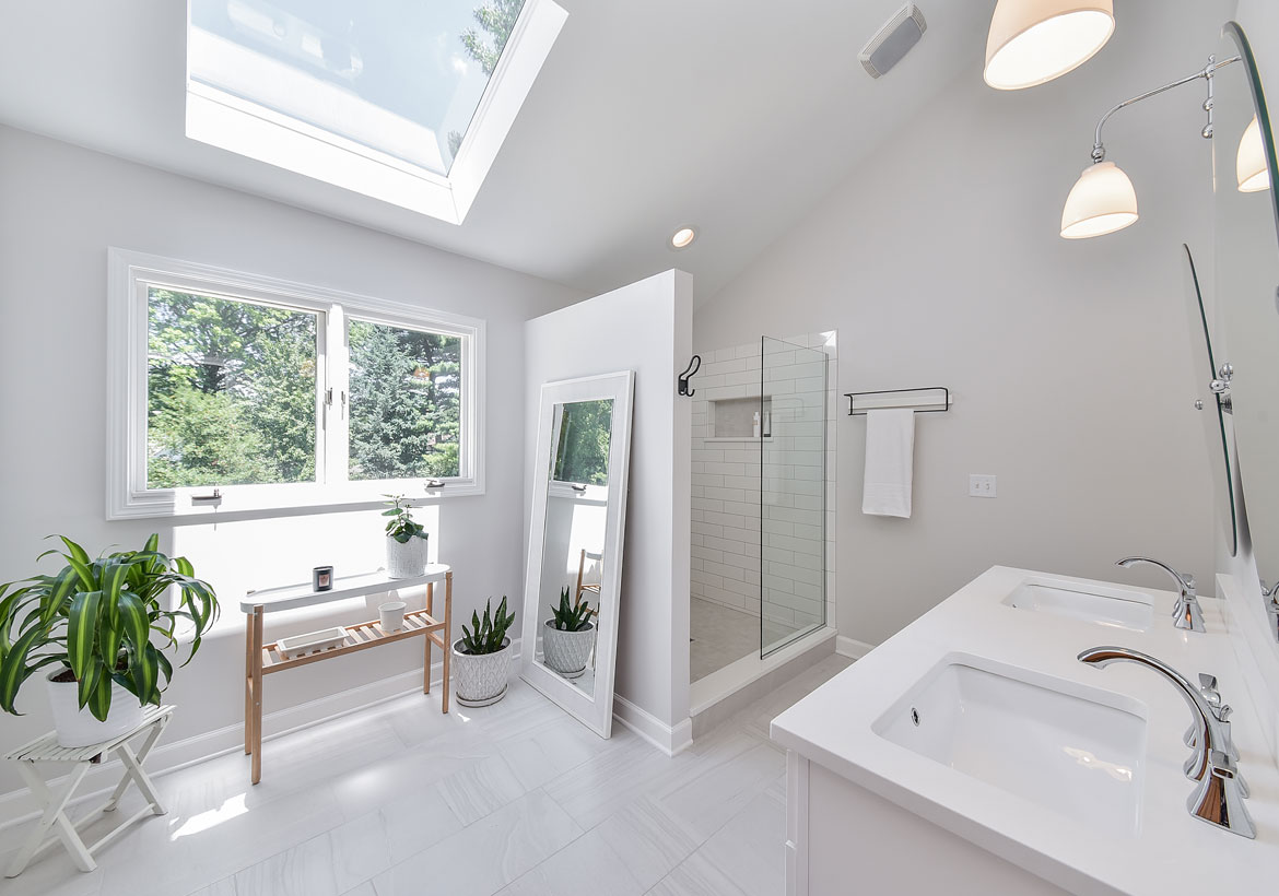 Choosing the Perfect Glass Features for Your Home   Home Remodeling ...