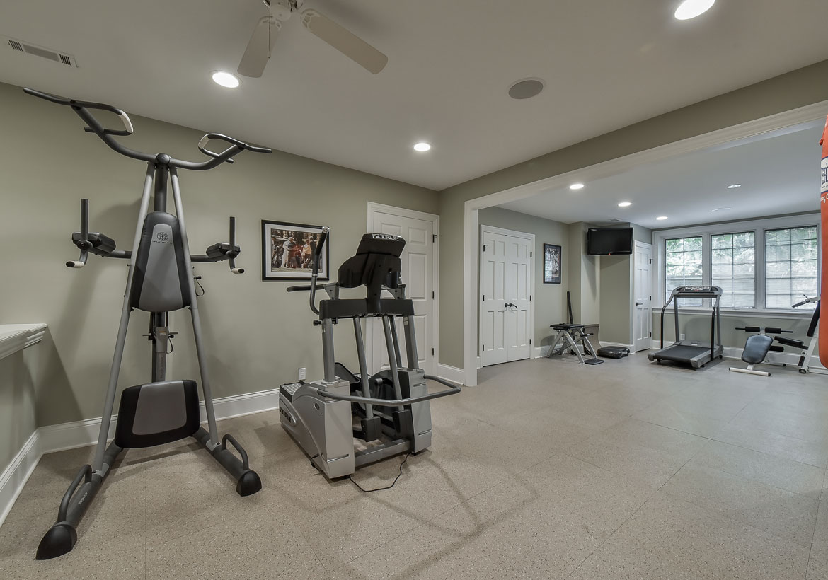 Beautiful home gym interior design photos decoration for Home gym interior design