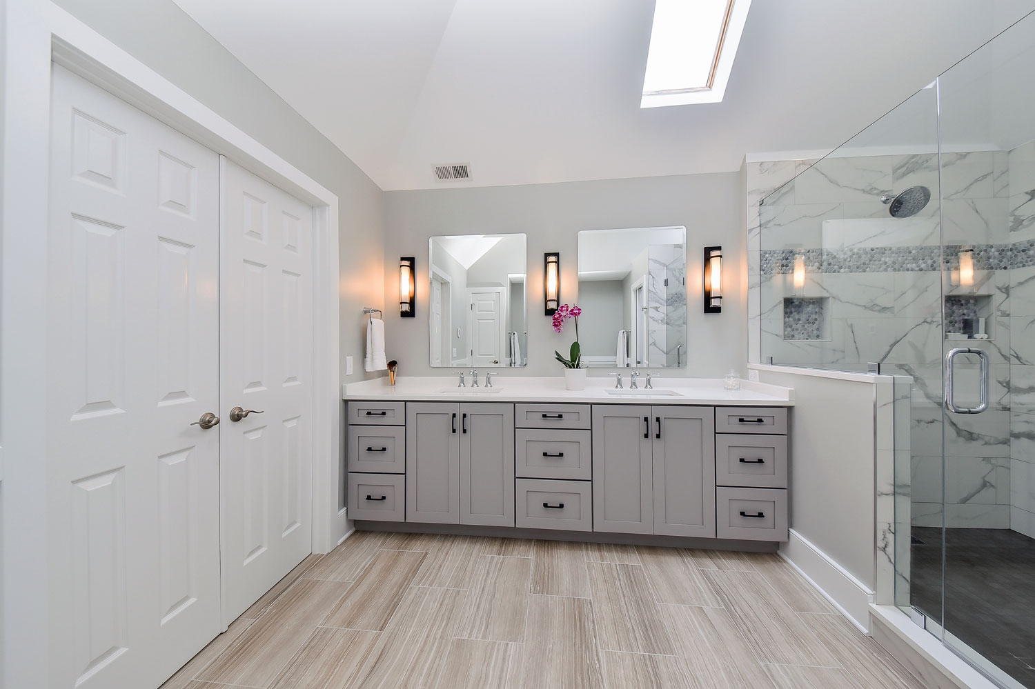 Sarah & Ray\'s Master Bathroom Remodel Pictures | Home Remodeling ...