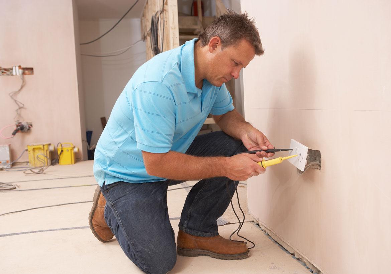 Subcontractor vs Contractor: What Does a General Contractor Do - Sebring Design Build