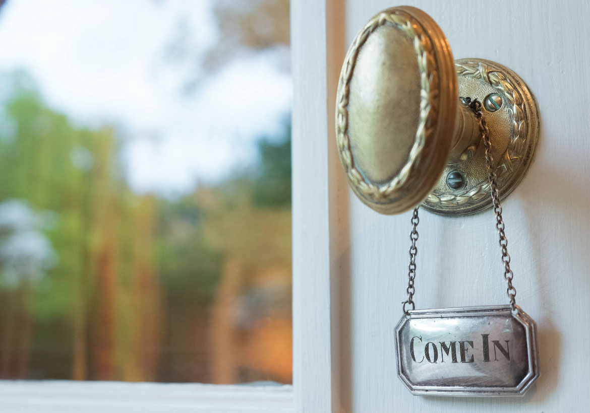 35 Noteworthy Types Of Door Knobs To Enhance Your