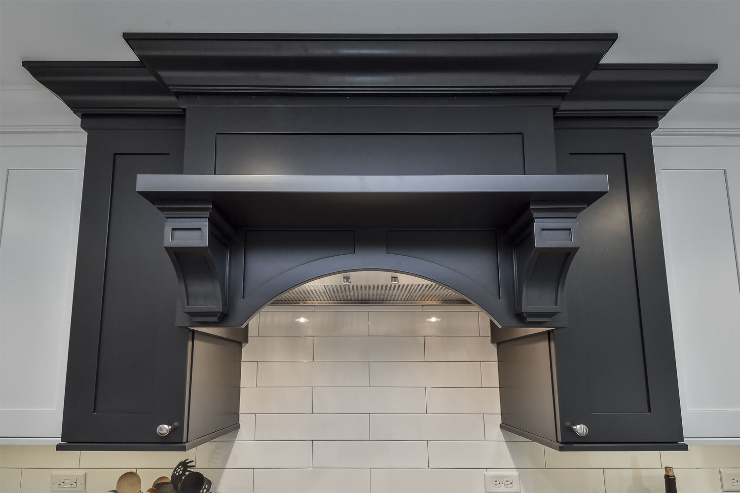Black-Hood-Kitchen-Naperville-Sebring