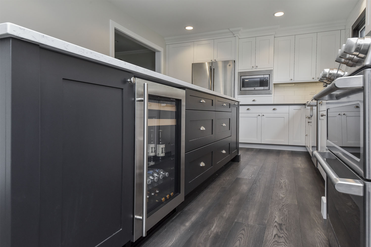 Black-Island-Kitchen-Naperville-Sebring