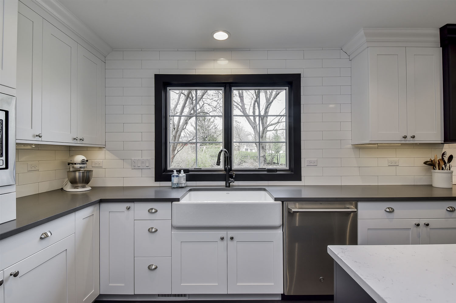 Black-Window-Kitchen-Naperville-Sebring