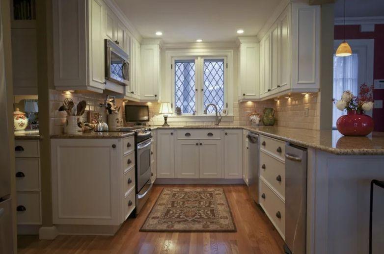 32 Kitchen Cabinet Hardware Ideas | Sebring Design Build