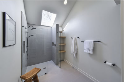 Modern-Master-bath_Sebring-Design-Build-