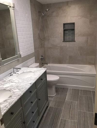 41 Small Master Bathroom Design Ideas, Narrow Master Bathroom Designs