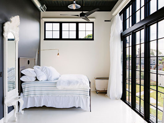 Black and White Bedroom 9