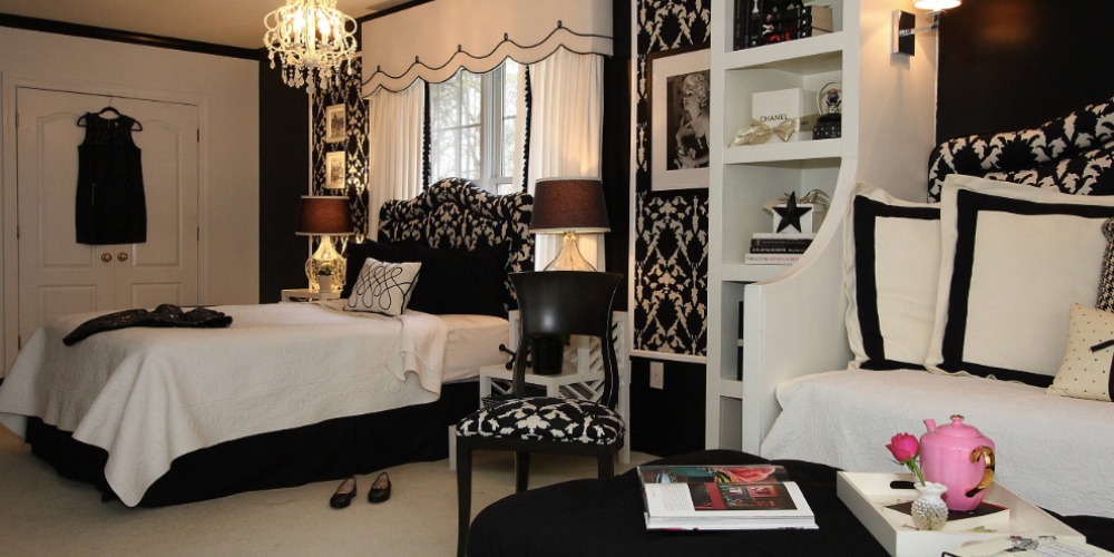 Black and White Bedroom 1