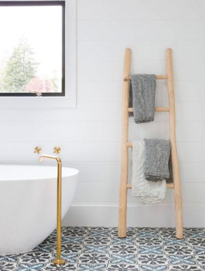 Farmhouse-Bathroom-14-Sebring-Design-Build