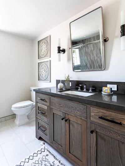 Farmhouse-Bathroom-19-Sebring-Design-Build