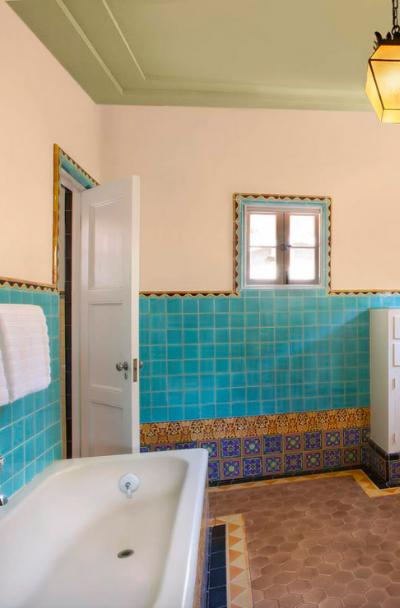 Vintage-Tile-Design-Kitchen-Bath-Ideas-Sebring-Design-Build