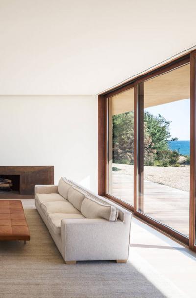 minimalist-modern-living-room-design-ideas-sebring-design-build