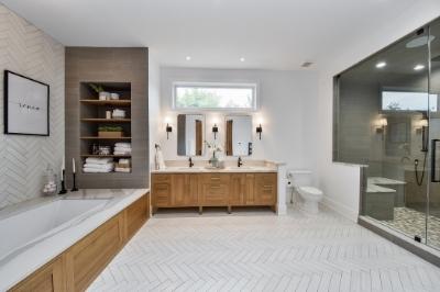 Modern West Chicago Master Bath